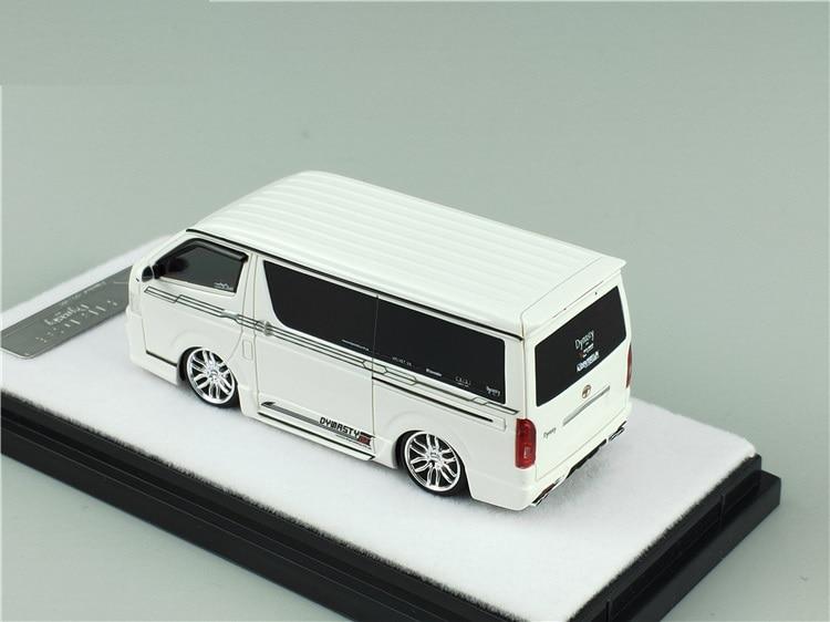 Erro 404 1:64 toyota hiace dyast modelo de carro de resina branca