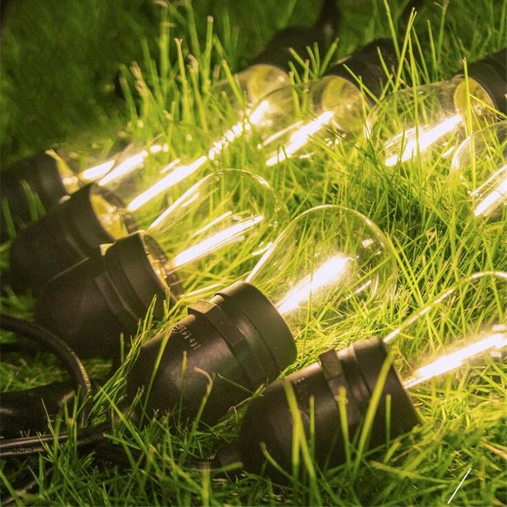 lâmpada da festa de aniversário ao ar